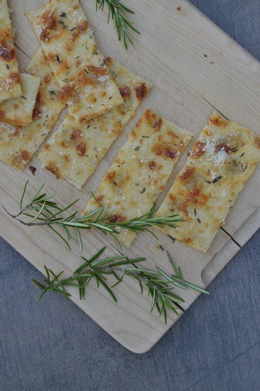 schnell und einfach gemacht ist dieses Pizzabrot. Perfekt für den Sommer!