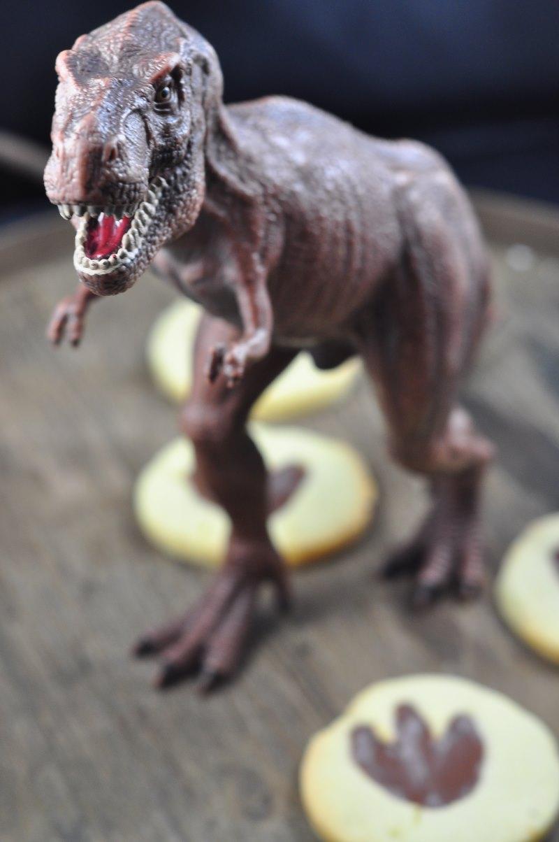 Leckere Dino-Kekse für hungrige Dinoforscher