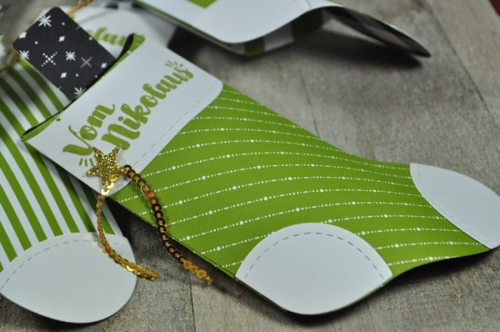 DIY Kleine Geschenkidee zum Nikolaus: ein gefüllter Stiefel mit kleinen Süßigkeiten. Und mit Stampin Up Vorlagen ganz schnell gebastelt.